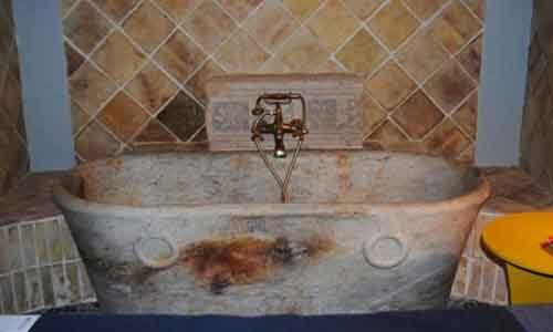 """Sciacca: sequestrata """"Antica vasca delle Terme Selenuntine"""" in casa di un privato."""