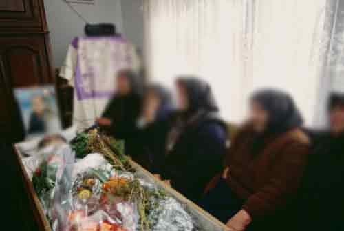 Veglia funebre: rissa furibonda tra i figli per l'eredità del padre