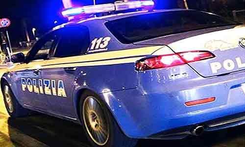 Bliz notturno della Polizia: sequestrati fucili mitragliatori Kalashnikov e 6 kg di cocaina