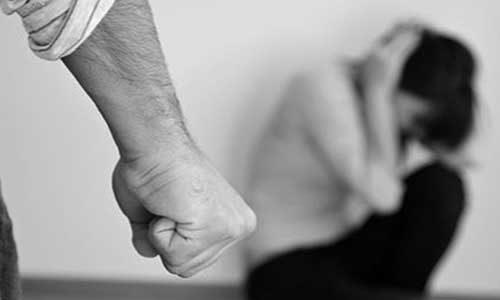 Un pensionato arrestato con l'accusa di violenza sessuale su un 15enne