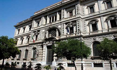 Palermo.  Un carabiniere di guardia alla Banca d'Italia si toglie la vita