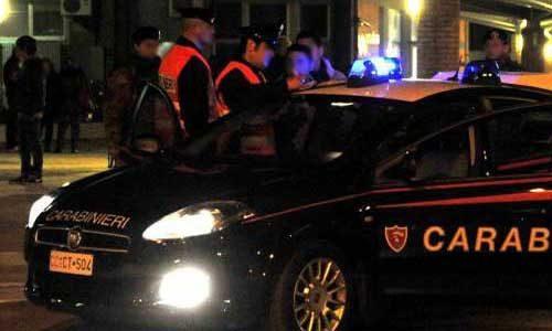 Infastiditi del controllo minacciano ed aggrediscono i Carabinieri: arrestati due romeni