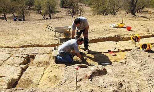 AGRIGENTO: scoperta la piazza del teatro nella Valle dei Templi