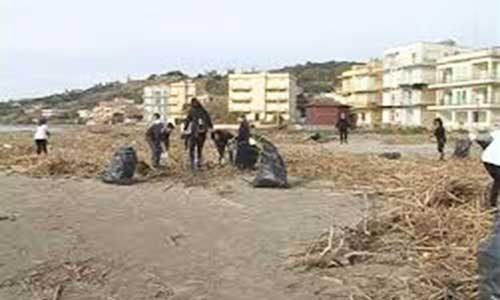 """Sciacca. Premiati i volontari di """"Sciacca Pulita"""": un riconoscimento per il loro impegno sulla pulizia delle spiagge"""