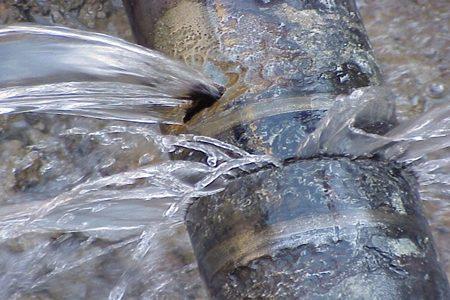Servizio idrico, riparate le rotture in Corso Vittorio e Vie De Gasperi e Caltanissetta