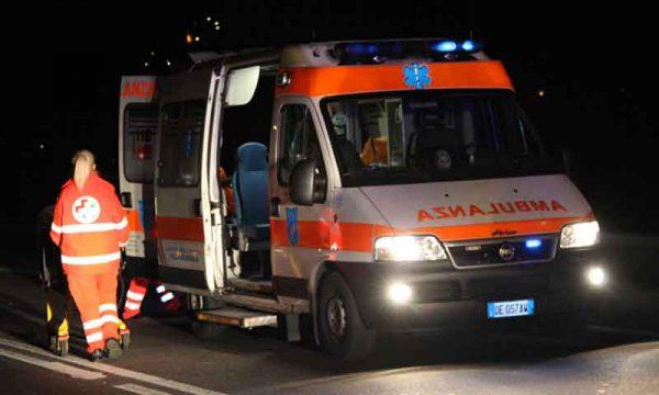 Montevago (AG). Auto finisce in burrone: i 3 occupanti salvati da un infermiere che si cala e li tira fuori dalle lamiere