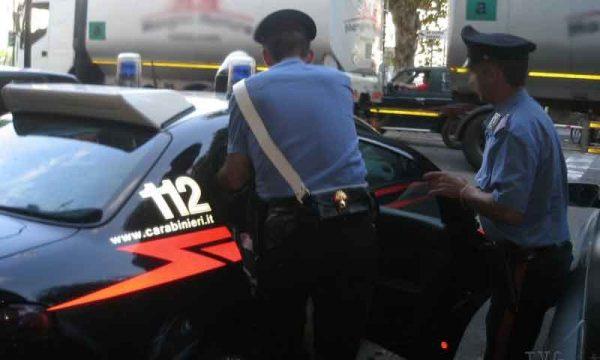 Brolo. 52Enne litiga in negozio con cliente, l'esercente tenta di dividerli e gli da una martellata alla nuca: arrestato