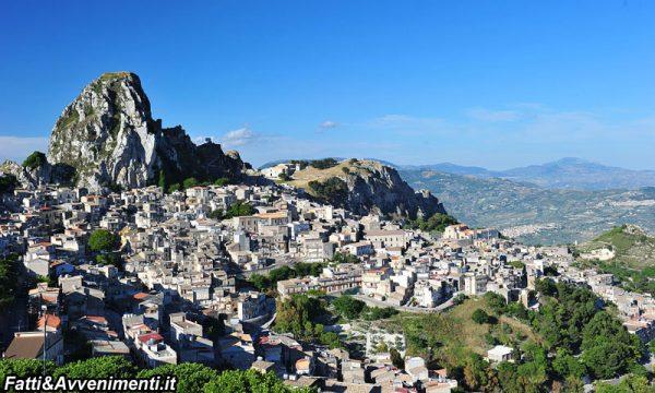 Caltabellotta. Inizio dei lavori di ripristino a monte del Viale della Regione Siciliana ed a Valle di Viale Savoia