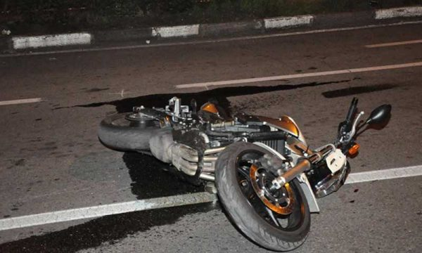 Palazzolo (SR). 19Enne perde il controllo della moto e si schianta sul guard rail: muore sul colpo