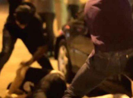 Milazzo (ME). In 5 tra cui un 16enne, picchiano rapinano e minacciano un minore: tutti arrestati