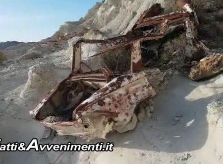 Scempio ambientale e turistico: Finalmente rimossa la carcassa di auto dalla Scala dei Turchi – Galleria Foto