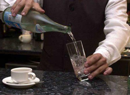 Agrigento. 73enne chiede un bicchiere d'acqua al bar e gli danno liquido per lavastoglie: è grave, ricoverato d'urgenza