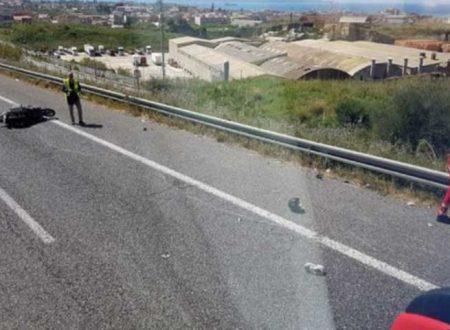 Incidenti mortale sulla A20: perde la vita un motociclista,  ferita una donna seduta dietro