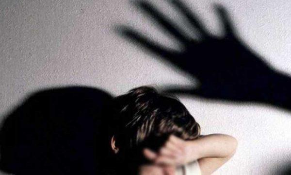 Catania. Arrestati genitori violenti: picchiavano i figli di 9, 8 e 3 anni: i piccoli portati in una casa famiglia