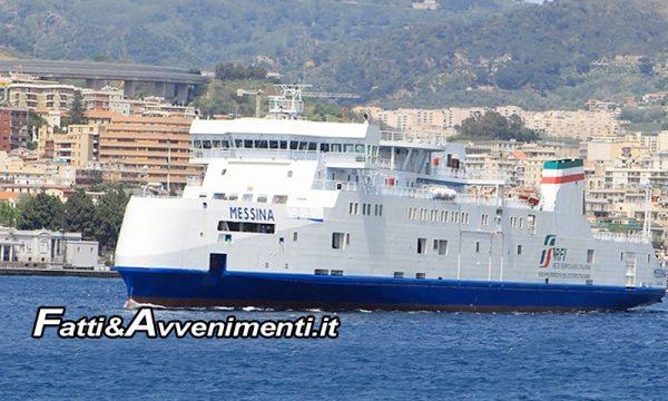 Studente milanese in gita scolastica cade dal traghetto a Messina: Salvato e portato in ospedale in ipotermia