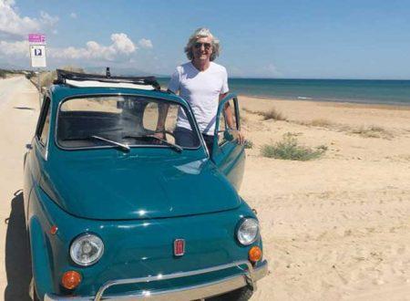 """È in vacanza a Tre Fontane Phil Palmer chitarrista dei """"Dire Straits"""": gira su una vecchia 500"""