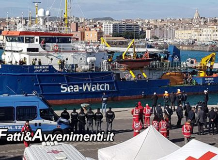 Migranti, Sea Watch a Siracusa. 2mila euro di multa a Sindaco e Parlamentari saliti a bordo della nave Ong
