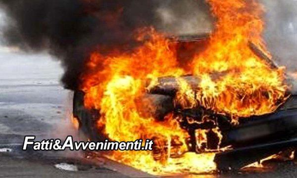Catania. Auto prende fuoco ed il conducente resta dentro: estratto dai pompieri, è grave, ustioni nel 30% del corpo