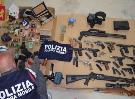 Vittoria (RG). Sequestrato un arsenale da guerra, fucili e pistole: arrestati padre e figlio incensurati