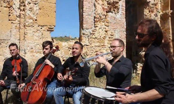 """Ribera. 5 docenti di musica della """"V. Navarro"""" dedicano un video al grande cantautore Fabrizio De André"""