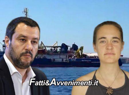 """La SeaWatch 3 si avvicina al porto di Lampedusa: fermata di nuovo dalla GdF. Salvini: """"Arrestare l'equipaggio"""""""