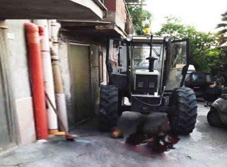 S. Biagio Platani. 63Enne muore schiacciato dal trattore mentre lo posteggia: inutile l'intervento dell'elisoccorso