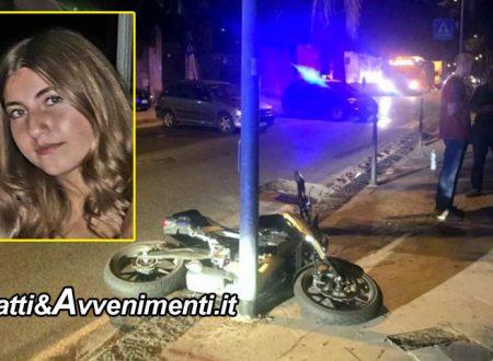 Messina. Scontro tra un'auto e una moto che si schianta su  un palo: muore una ragazza di 14 anni