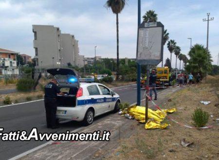 Catania. Coppia su scooter si schianta contro un palo della luce: muore un 41enne, gravissima la donna