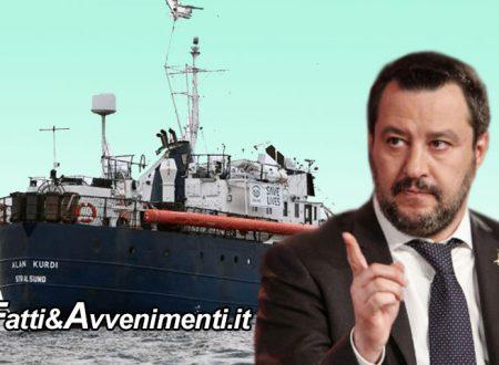 "Lampedusa. Alan Kurdi ferma al largo, Salvini lapidario:  ""Basta, mi sono rotto le palle. Le navi saranno requisite"""