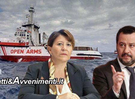 Tar sospende divieto ingresso e l'Open Arms fa rotta verso Lampedusa: è scontro tra Salvini e la Trenta