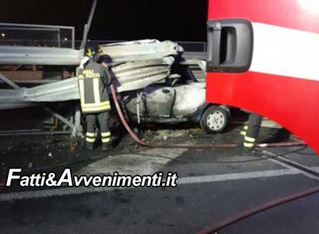 Catania. Sbanda, si schianta sul guardrail e l'auto si incendia: 47enne muore carbonizzato tra le lamiere