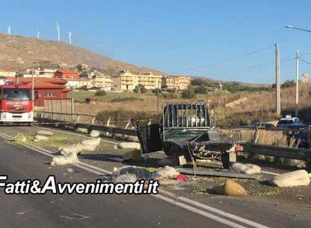 Siculina (AG). Scontro mortale tra un camion e motoape: perde la vita un pensionato
