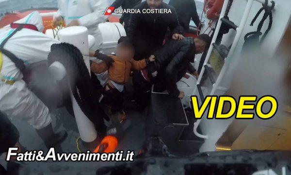 Lampedusa. Guardia Costiera diffonde video salvataggio dei 149 migranti, c'è anche un bambino