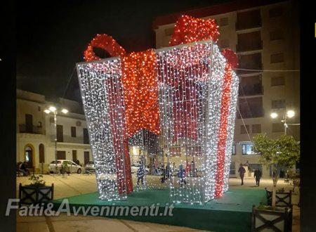 Ribera. Tutto pronto per il Natale: installate le luminarie e a breve arriva l'albero e il programma eventi