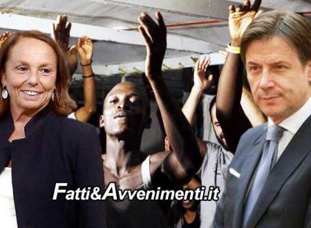 Lamorgese pronta a smontare i decreti sicurezza di Salvini: c'è anche cittadinanza e iscrizione anagrafe per i richiedenti