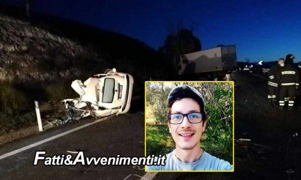 Incidente mortale nel catanese, scontro tra auto e camion: muore un 26enne