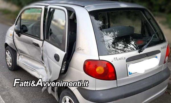 Incidente sulla Siracusa – Gela. Scontro tra un'auto e un furgone: muore una donna di 56 anni