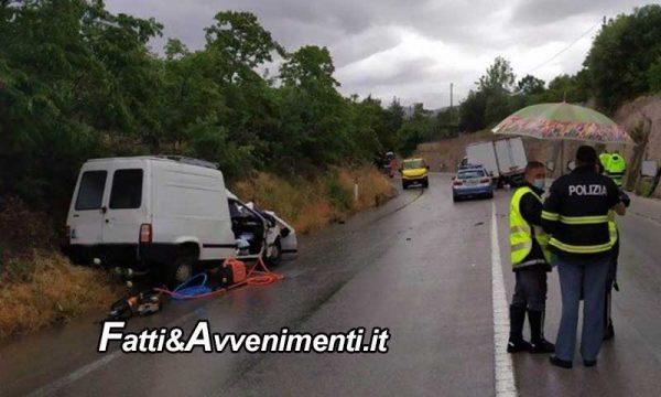 Scontro tra tre mezzi sulla Palermo-Agrigento, perde la vita un uomo  estratto dalle lamiere dai vigili del fuoco