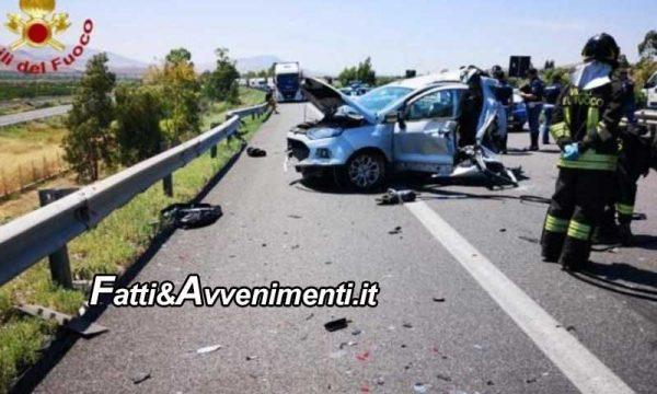 Scontro sulla Palermo-Catania, tra due auto e un tir: muore una donna 54enne, grave il figlio di 34