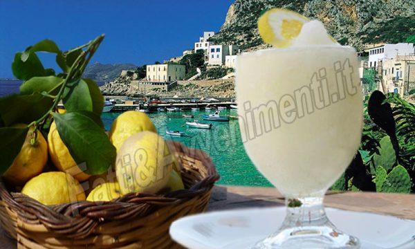 Granita di limone Siciliana. La ricetta originale per farla in casa con o senza gelatiera