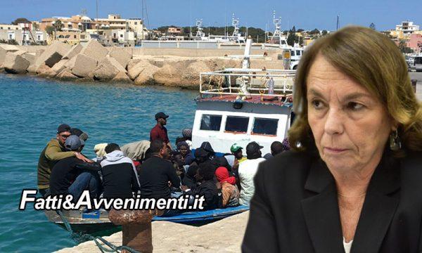 Lampedusa. Ieri la visita di Lamorgese, oggi arrivano 10 barchini con 173 tunisini solo nella mattinata