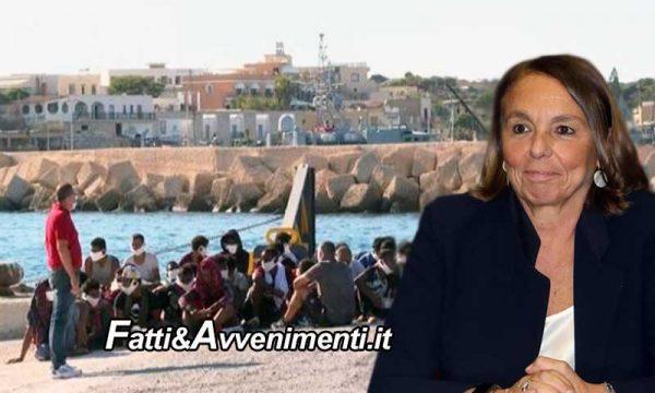 """Lampedusa. Sbarchi senza sosta, 1400 migranti nell'hotspot e le due navi della Lamorgese al """"completo"""""""