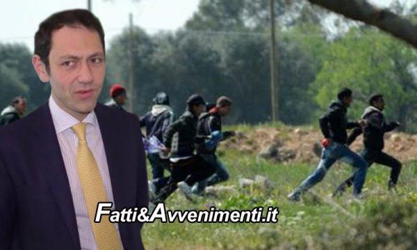 Ragusa, 28 migranti fuggono dall'hotspot: 9 sono positivi al Covid. Ferito anche un carabiniere