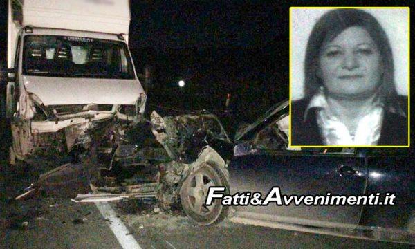 Palma di Montechiaro. Tragedia sulla SS 115, auto contro furgone: muore donna 59enne di Licata