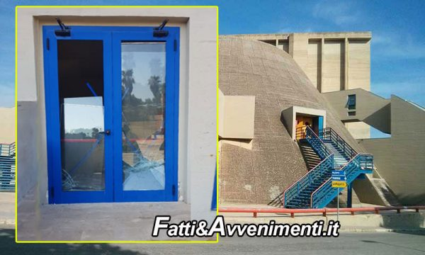 """Sciacca. I soliti vandali in azione al teatro Samonà, Monte: """"Sistematelo o lo faccio io a mie spese"""""""