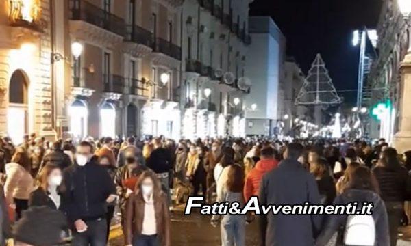 Catania. Il Covid paura non ne fa: fiume di gente in via Etnea per shopping natalizio dell'Immacolata