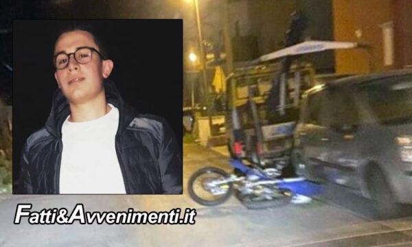 San Cataldo (CL). Si schianta con la moto contro auto ferme: 16enne muore durante il trasporto in ospedale