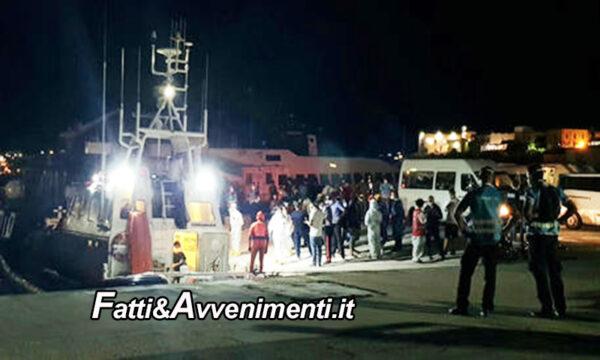 Lampedusa invasa da 532 migranti, la Ocean Viking con altri 236 va ad Augusta e la Sea Watch con 121 attende