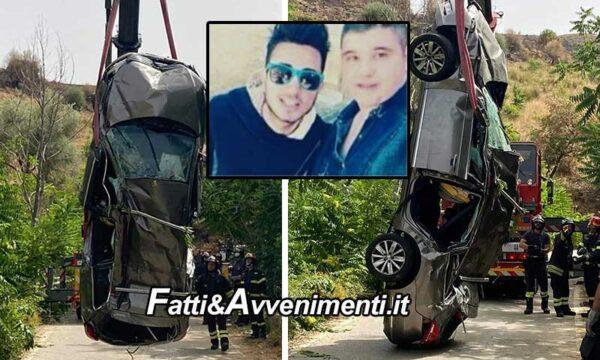 Mirabella (CT). Auto con 5 giovani precipita in un burrone: due 20enni morti e 3 feriti, uno dei quali in gravi condizioni