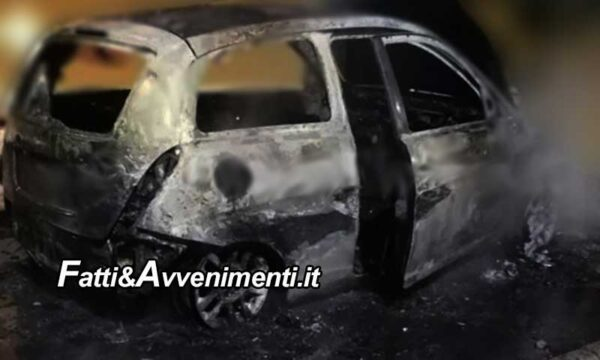 Carini (PA). Auto si schianta su un muro e s'incendia: muore un 16enne, il fratello è in gravi condizioni